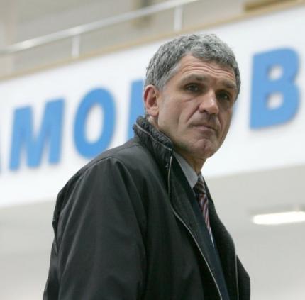 Και προπονητής ο Βεζένκοφ