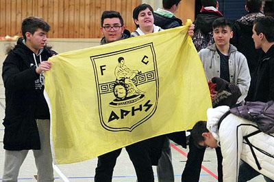 Η σημαία του Άρη υψώθηκε στο Αμβούργο και «χόρεψε»… συρτάκι τους Γερμανούς! (photos)