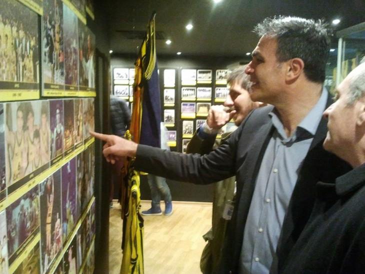 Συγκίνηση και περηφάνια για τον Μιχάλη Ρωμανίδη με την παρουσία του στο Μουσείο Μπάσκετ! (photos)