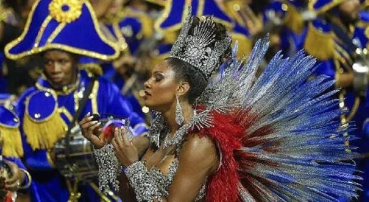 Οι Βραζιλιάνοι ξεσαλώνουν-Το καρναβάλι του Ρίο μέσα από 35 καρέ (photos)