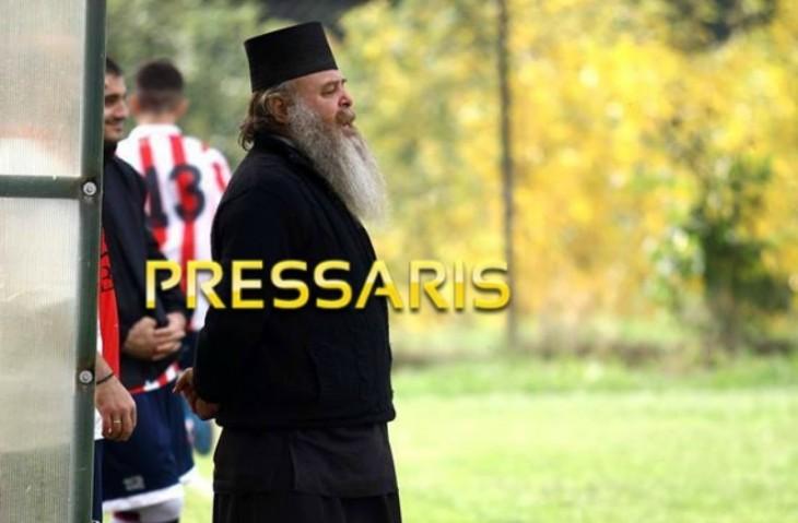 Πρώην ποδοσφαιριστής του Άρη, παπάς και προπονητής με δίπλωμα… ΟΥΕΦΑ! (photos)