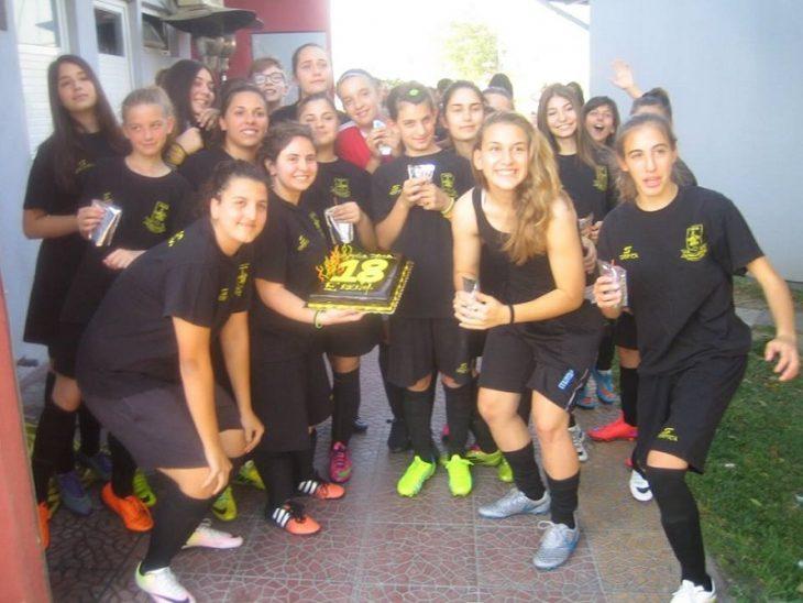 «Κιτρινόμαυρα» γενέθλια στο γήπεδο! (photo)