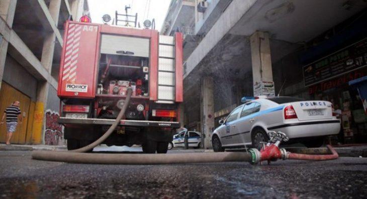 ΤΩΡΑ: Φωτιά σε διαμέρισμα στην Καλαμαριά- Πληροφορίες για εγκλωβισμένο άτομo