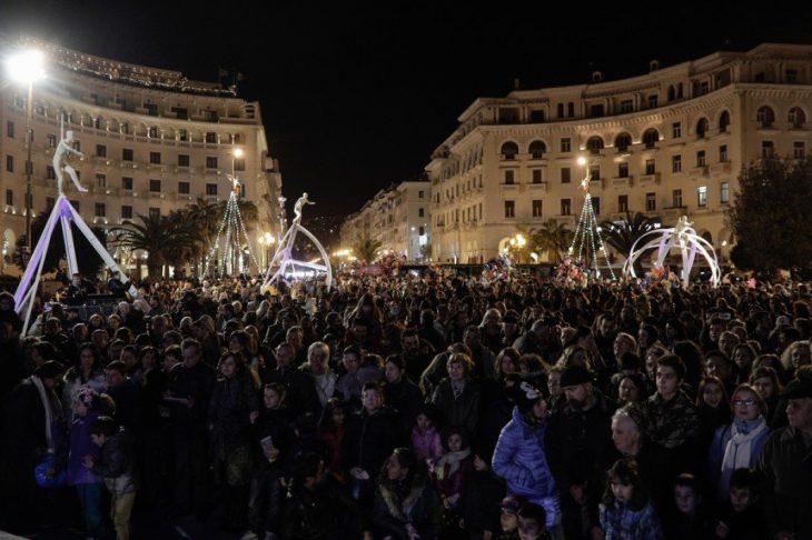 «Αντίο» στο 2016 με 3.000 πυροτεχνήματα στη Θεσσαλονίκη