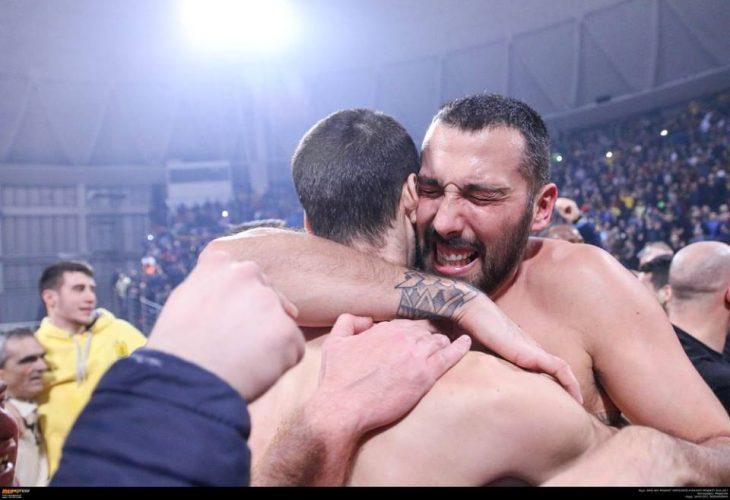 Ταπούτος και Βεζένκοφ αποθεώνουν Σίμτσακ! (photo)