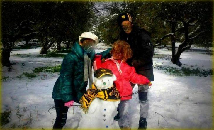 «Κιτρινόμαυρος» χιονάνθρωπος και στο Ηράκλειο Κρήτης (photo)