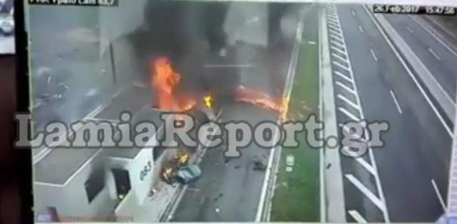Σοκαριστικό βίντεο, σκληρές εικόνες: Καρέ καρέ το τρομερό τροχαίο – Πως η Πόρσε σκορπά τον θάνατο (video)