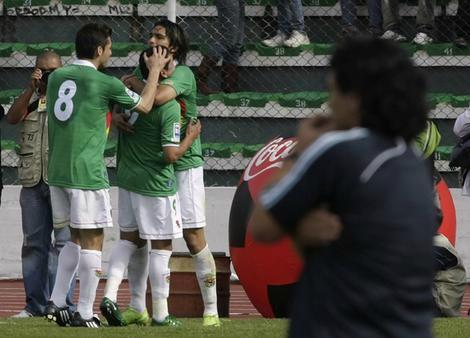 Όταν η Βολιβία του Νάτσο Γκαρσία… ξεφτίλισε με 6-1 τους Μαραντόνα και Μέσι! (video)