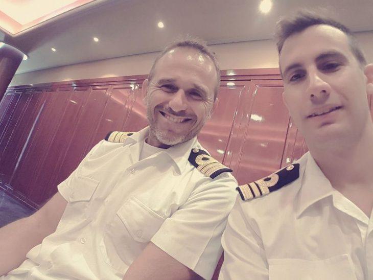 Άρης Γρηγοριάδης: Με τη στολή του πολεμικού ναυτικού μαζί με τον Τριγώνη! (photo)