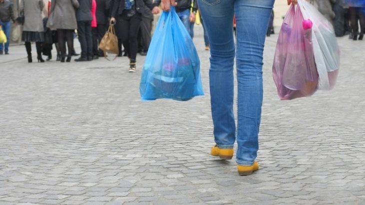 Τέλος οι δωρεάν πλαστικές σακούλες από αύριο, οδηγίες της ΕΣΕΕ